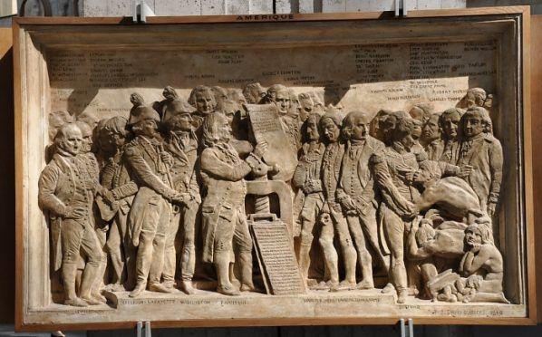 Bas-relief de la Déclaration d'Indépendance des Etats-Unis d'Amérique