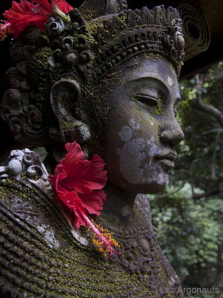 75 b sta bilderna om buddha sculpture p pinterest tr dg rdar buddism och buddhister. Black Bedroom Furniture Sets. Home Design Ideas