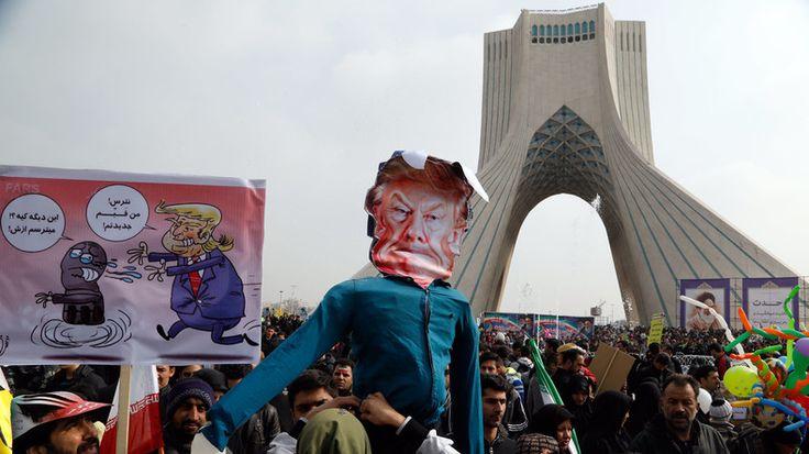 Téhéran n'accepte pas le ton résolument offensif de l'administration Trump à son égard. A l'occasion du 38ème anniversaire de la Révolution islamique, des millions d'iraniens se sont rassemblés dans les rues pour dénoncer la politique américaine.