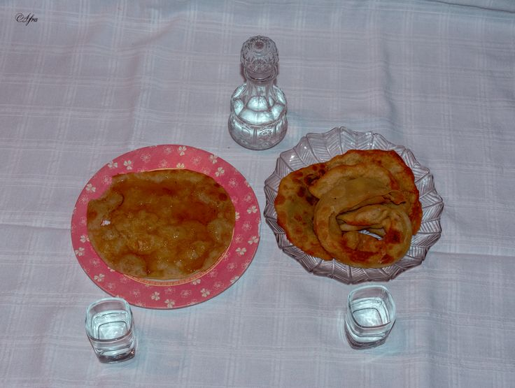 Κρητικές πίτες και ρακή!! Cretan pies and cretan tsikoudia!