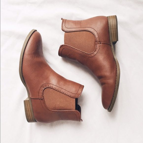 Chestnut Brown Chelsea Ankle Boots These boots are perfect for completing a Pinterest worthy outfit! Made of faux leather with elastic side panels. Lightly worn, so still in great condition! Old Navy Shoes Ankle Boots & Booties