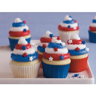Red, White and Blue Cupcakes from Betty Crocker  #4thofJuly #Cupcake #Decorating Ideas