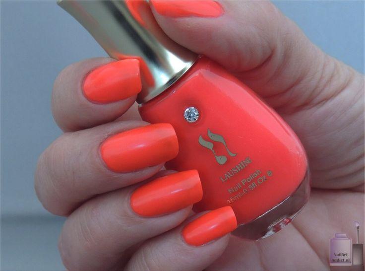 Laushine koraal nagellak getest door Nailartaddict