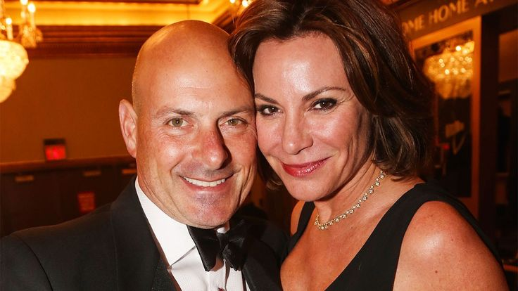 11:40 AM PDT 8/3/2017  by   Jackie Strause ,  Stephanie Chan       The 'Real Housewives of New York' star confirmed the news on Twitter.  Luann and Tom D'Agostino have called it quits after seven months of marriage. The Real Housewives of New York star took to Twitter on... #DAgostino #Divorce #File #Luann #RHONY #Star #Tom