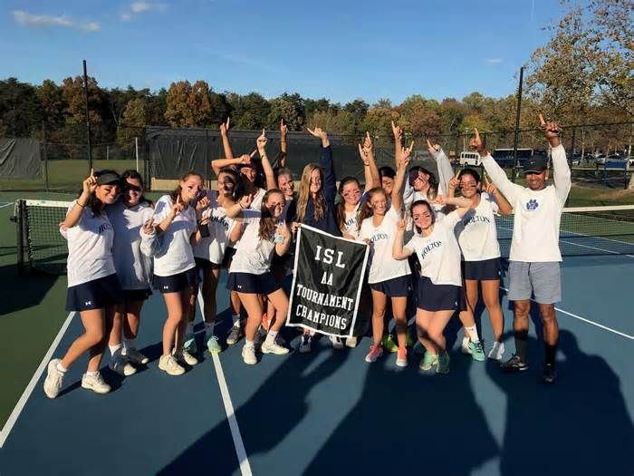 Holton-Arms upsets Potomac School to win ISL AA girls' tennis tournament A disappointing early-season loss to Potomac School turned out to be exactly what the Holton-Arms girls' tennis team needed. It served as a wake-up call for the young team, and the players vowed to work even harder in practice. As encouragement, Coach ...