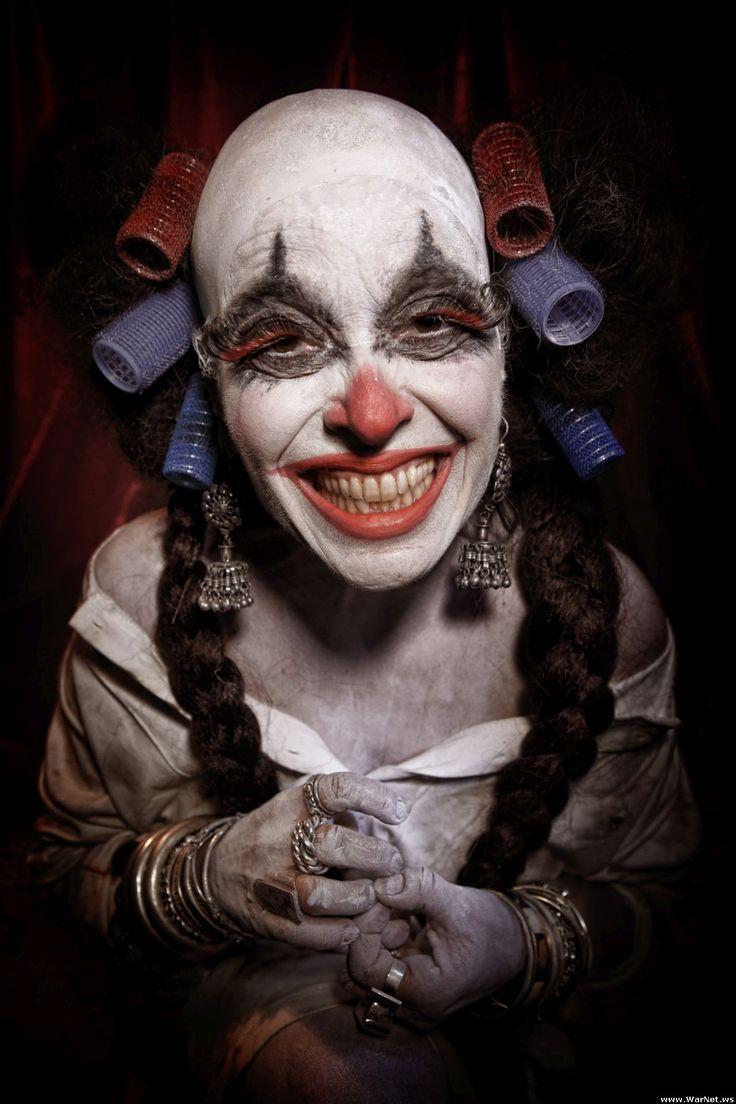 Злые клоуны (26 фото)