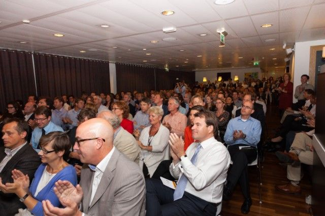 FMO regularly invites inspirational speakers