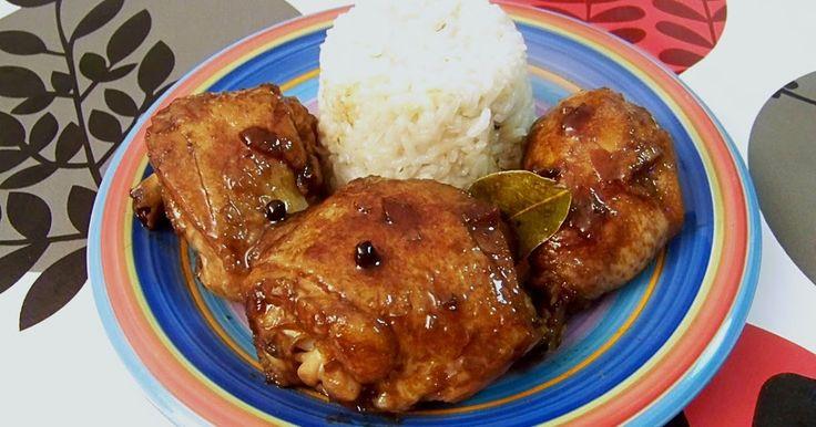 El adobo  es uno de los platos más populares en Filipinas. Se puede hacer de pollo, cerdo o mixto. Se trata de una receta de origen español...