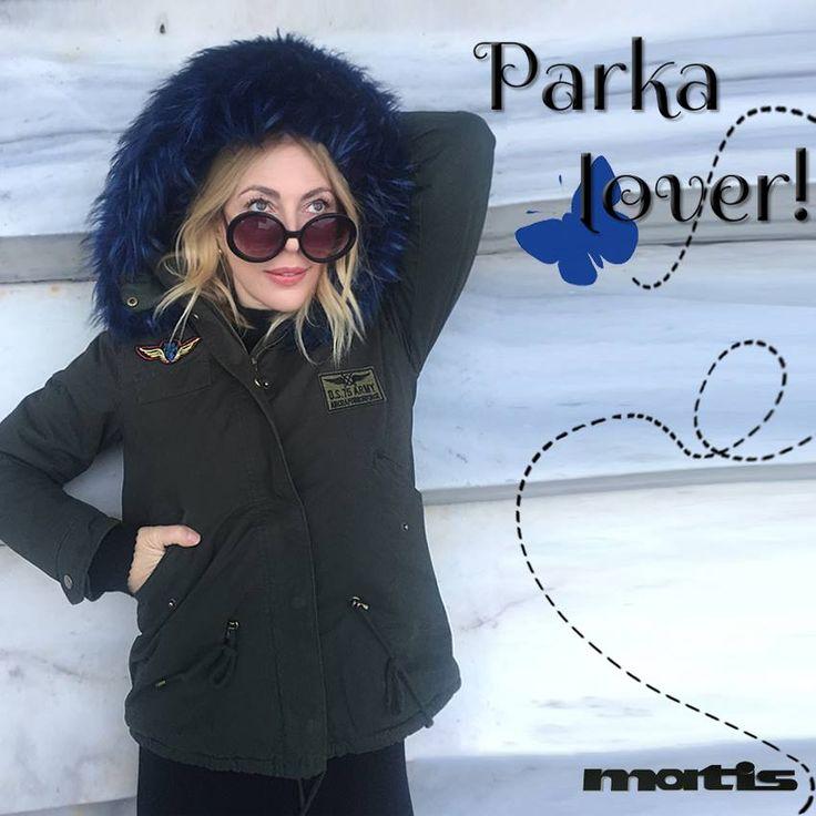 Τι πιο αγαπημένο απο το parka μπουφάν που ταιριάζει με όλα και μας ζεσταίνει το χειμώνα;
