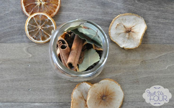 Dried Fruit Potpourri - Add 1 cup water and simmer for an amazing smelling house #Christmas #giftideas