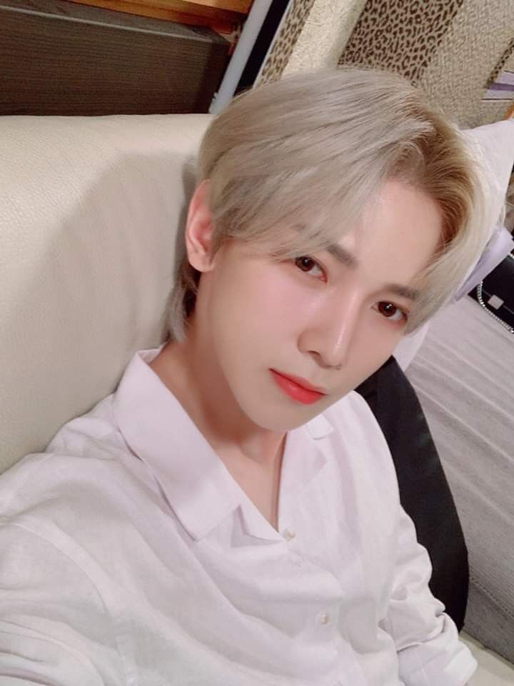 Yeosang in 2020 | Record label, Kpop, Rapper