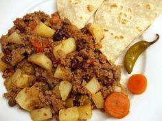 La carne molida venezolana es un plato de carne guisada generalmente con patatas. Esta receta fácil y práctica es perfecta para los niños, sírvela con arroz o...