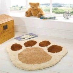 tapis forme patte d'ours pour chambre de nourisson, bébé ou jeune enfant tapis claire écru beige et marron pas cher original.jpg, fév. 2014