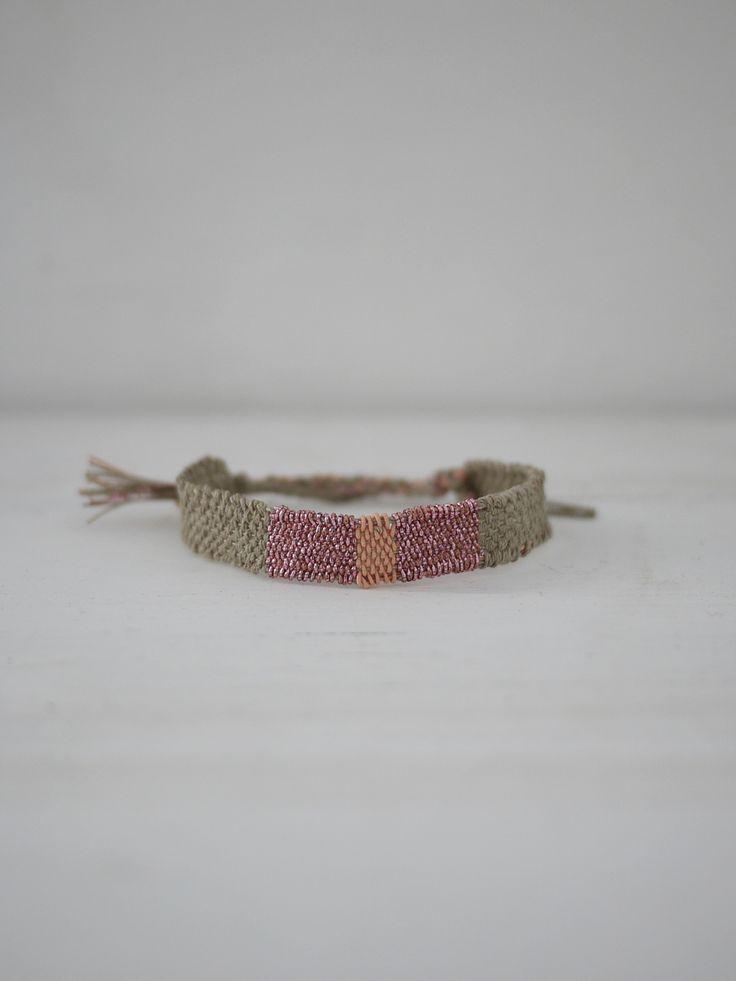 Bracelet LOOM N°64 60,00€ frais de port inclus http://myriambalay.fr