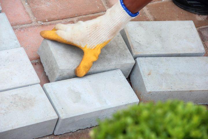 Pisos intertravados de concreto: preços, paginações, dicas e mais