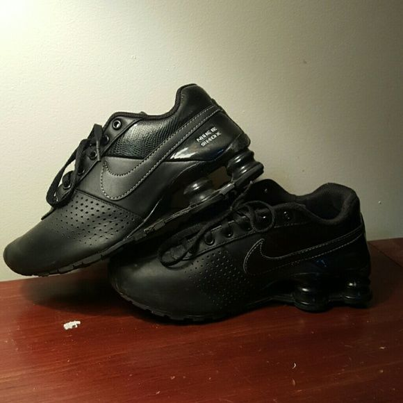 Black Nike Shox (Boys Size 3.5) Used Boys Nike Shox. Size 3.5. Black.  Scuff marks on the toe part as shown in pictures. But still in fair condition Nike Shoes