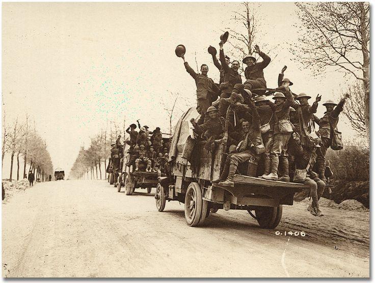 Soldats canadiens après leur victoire à Vimy.