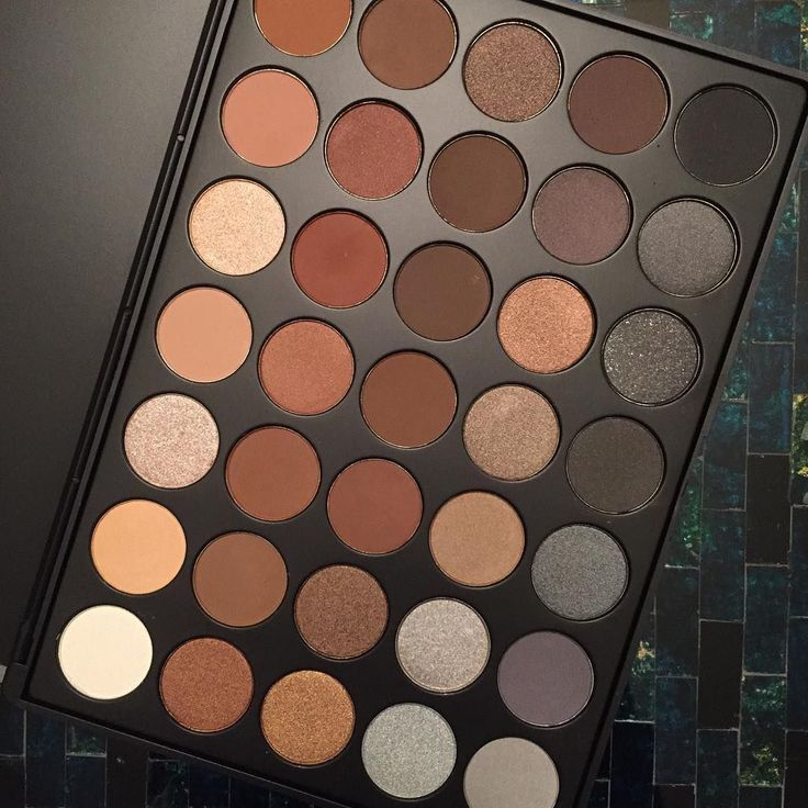 Morphe 35K Http://morphebrushes.com/collections/pro-makeup