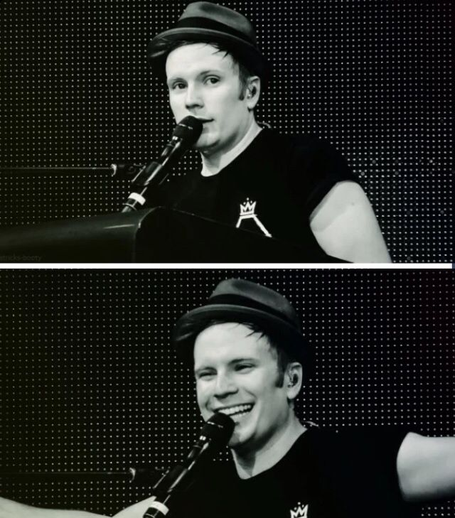 I LOVE THIS PHOTO SO MUCH OMG THE SECOND ONE I WOULD KILL TO SEE PATRICK SMILE IRL IM DYING