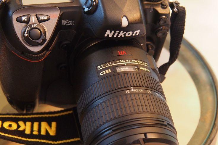 Nikon D2x 12.4 Mp Digital Slr Camera - Black