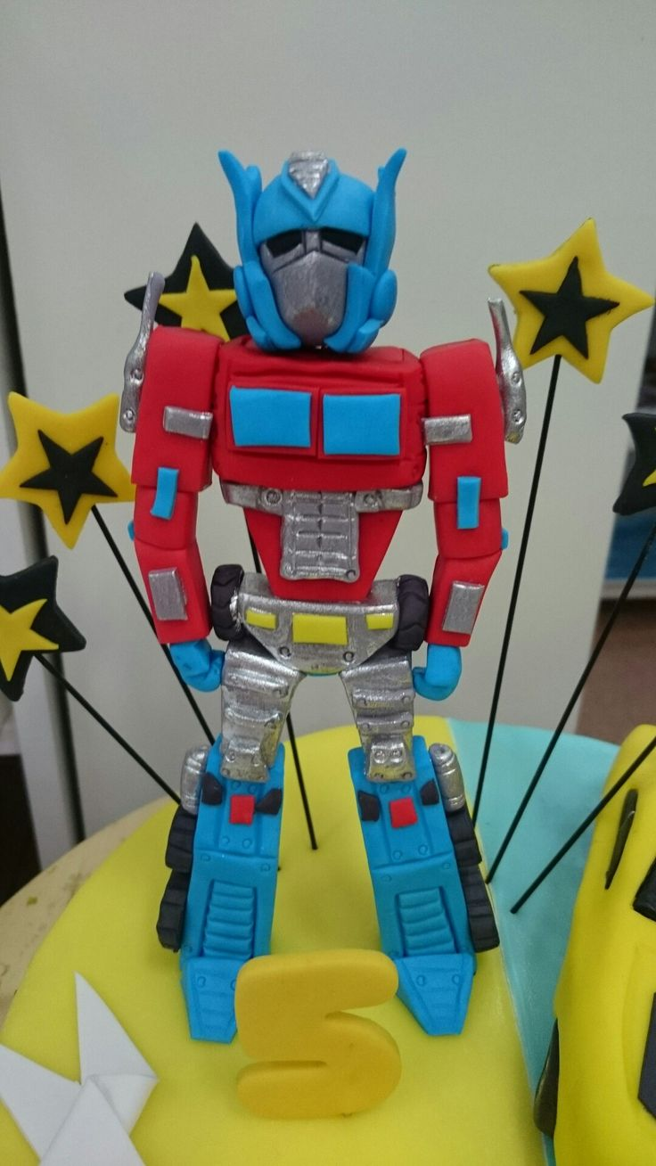Transformer figurine for cake