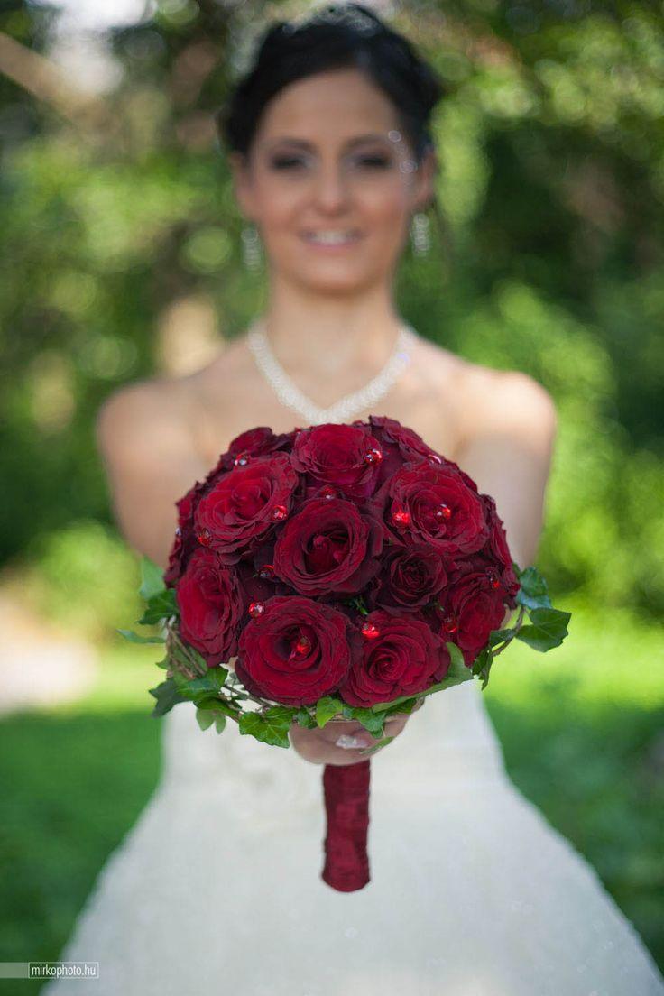 Classic and romantic wedding bouquet- Enchantée