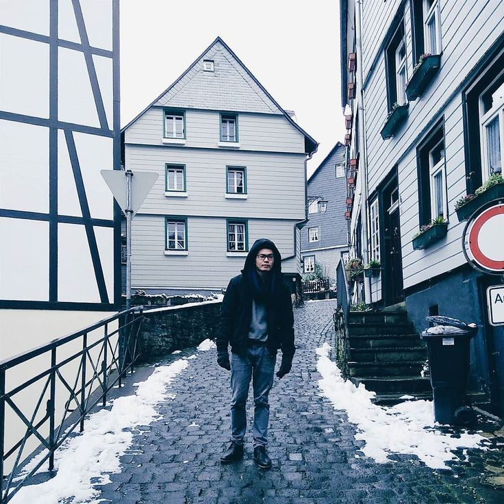 Experiencing snow in Monschau!  01-16-16  #wanderlust #snow #monschau #travelgram #travel #vsco #vscocam #instatravel #instalike by a.ndrewf