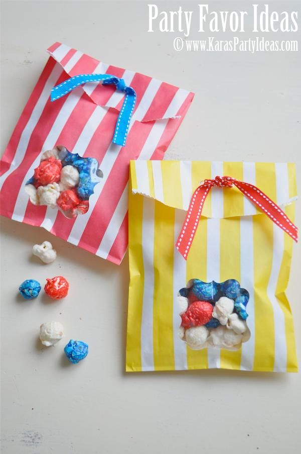 Easy tutorial on window paper bags for a party favor or 4th of july idea. www.karaspartyideas.com