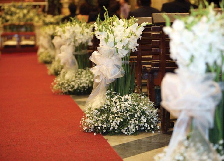 Como se adorna una iglesia con nube mi boda pinterest for Arreglos florales para boda en jardin