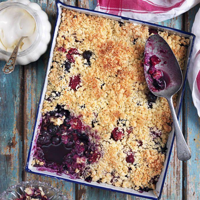 Smulpaj med blåbär och hallon