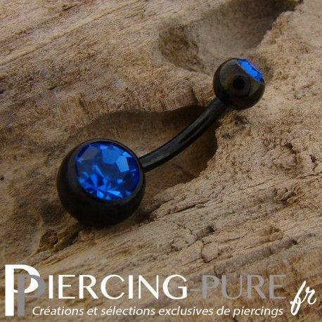 https://piercing-pure.fr/p/251-piercing-nombril-blackline-cristaux-bleus.html #navelpiercing #piercing #piercingnombril #piercingbleu #piercingnoir