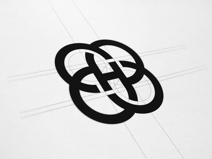 Have been working on a brandmark for a fashion company. A few keywords that I had to keep in mind during the design process were harmony, infinity, paradoxe, organic. Got a little 'geometric lesson...