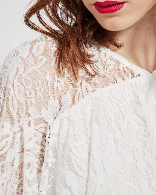 FLOWY DRESSES WITH LACE #redlips