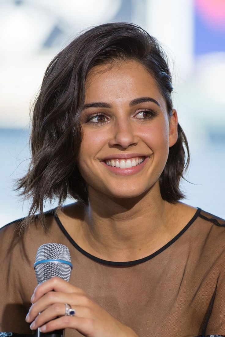 Naomi Scott. Power Rangers short hair