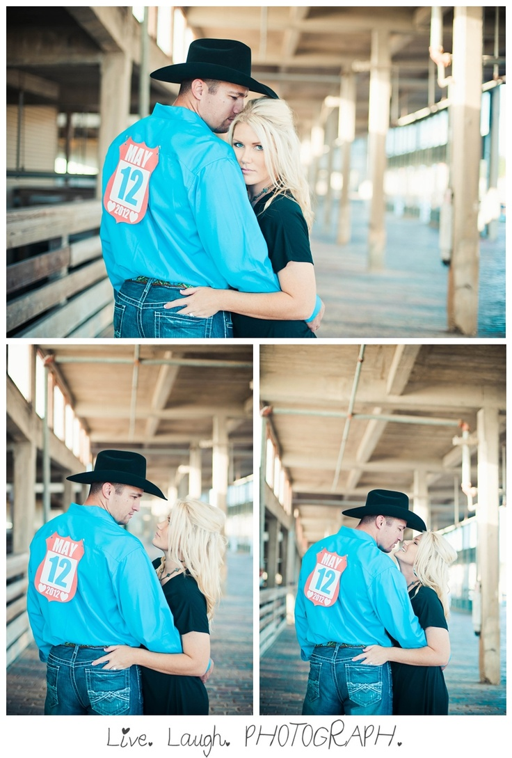 I want to take a pic like this with my bf so bad since he rides bulls