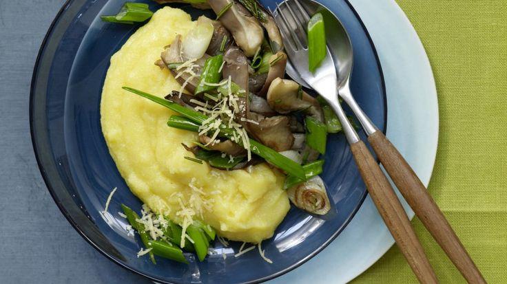 Gebratene Austernpilze auf Polenta, natürlich veganisieren!