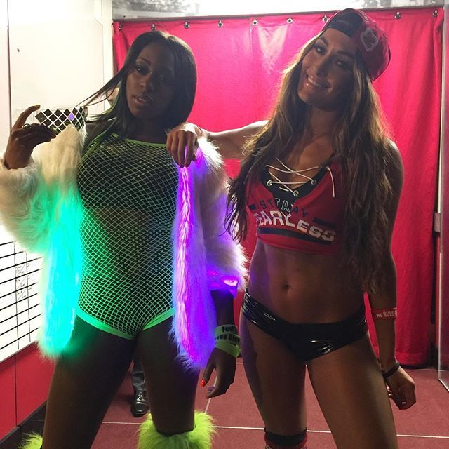 @trinity_fatu and @thenikkibella brought a #Fearless #GLOW to #SDLive.
