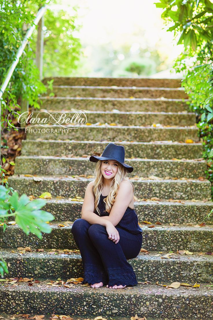 Hannah is a senior at L.D. Bell High School where she is involved in Young Life and Cheer.She will be attending Arkansas in the fall and plans to study nursing!Photographer: MorganMUA/H: Anastasia StrattenLocation: Ft. Worth, TX