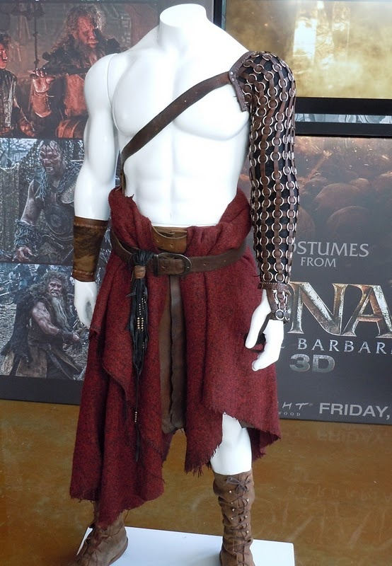 Conan costume from the new Conan movie.  Kilt is simple, a large piece of fabric draped over one belt, kept on with another.