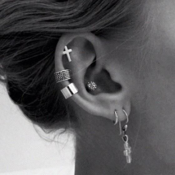 Demi Lovato's new ear piercing (via LollipopLovato)