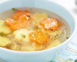 Soupe de poulet, pomme de terre et carotte pour enfants : http://www.fourchette-et-bikini.fr/recettes/recettes-minceur/soupe-de-poulet-pomme-de-terre-et-carotte-pour-enfants.html