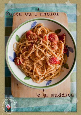 Pasta cu l'ancioi e 'a muddica alla siciliana (pasta con alici e mollica tostata)
