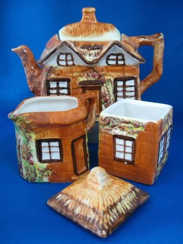 Cottage Ware Teapot With Cream And Sugar Price Kensington Vintage 1950s Cottageware - Antiques And Teacups - 1