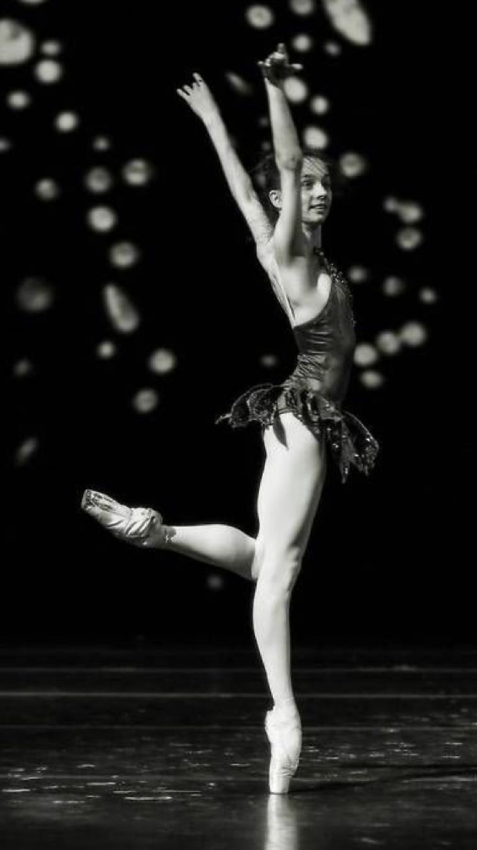 "María Kochetkova,""Rubíes"" from ""Jewels""(George Balanchine)-De Tumblr"