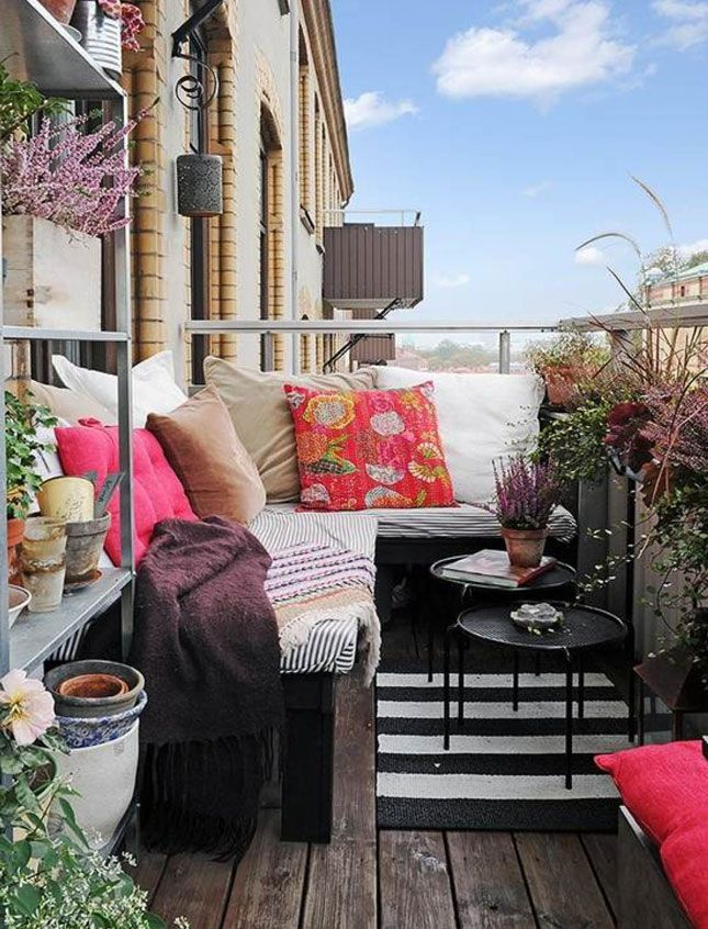Pretty Cozy Patio   16 Ways to Deck Out Your Deck