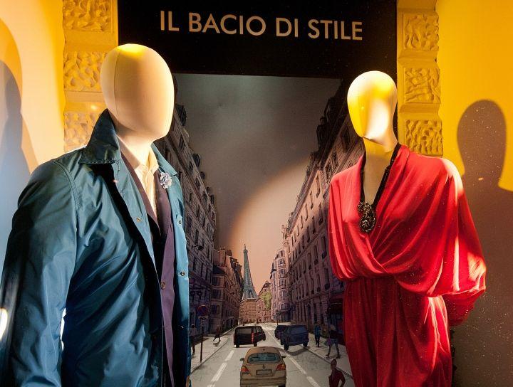 Дизайн витрины бутика Il Bacio di Stile в Будапеште