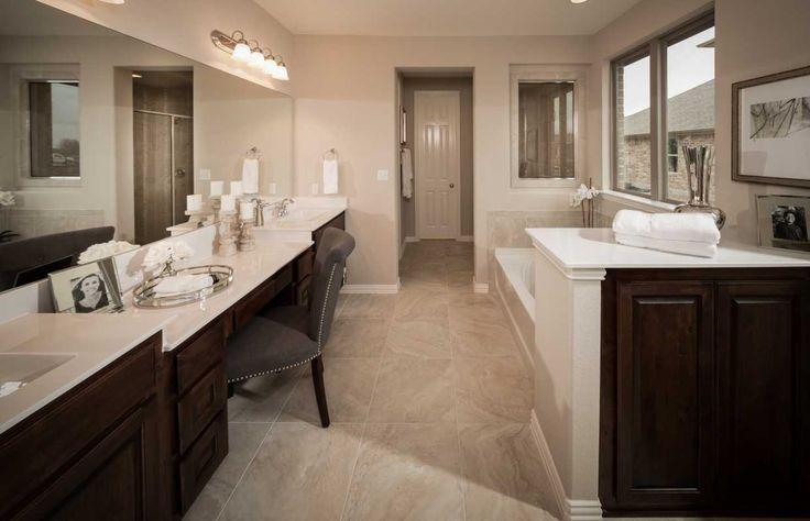 A Spacious Master Bath That Is Perfect For Any Taste Santa Rita Ranch North Liberty Hill