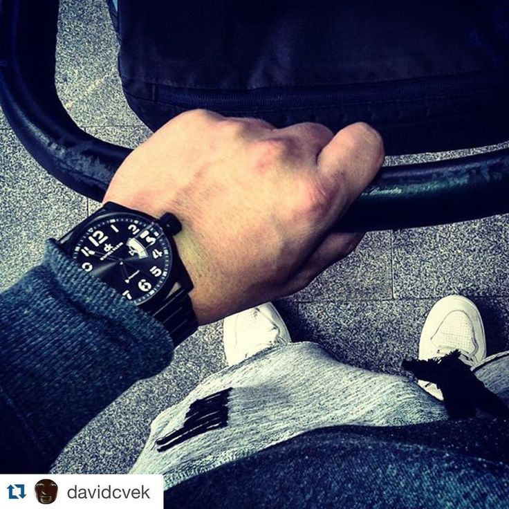 #walkwithlove #danielklein #watches #love #fashion #watchporn #watchaddicted #fashionlover #watchoftheday #like #instawatch #watch #watchmania #timepiece #dailylook #watchnerd #dailywatch #watchanish