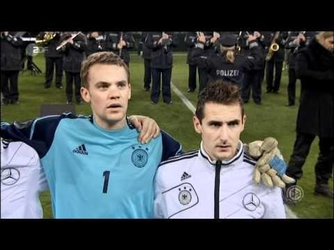 David Garrett spielt die deutsche und niederländische Nationalhymne beim Fußball Länderspiel - YouTube