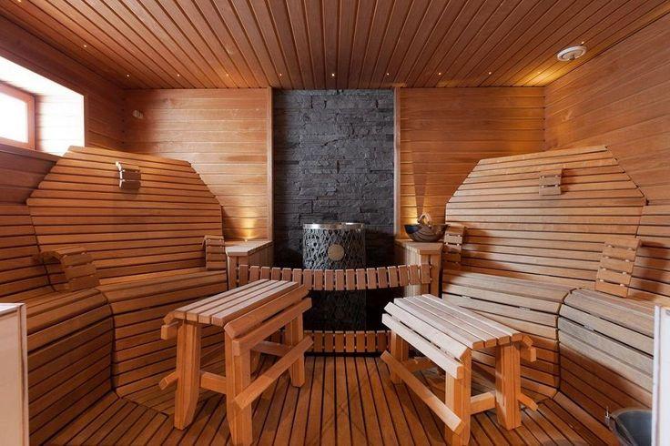Хорошо выполненная, мебель будет прекрасно вписываться в интерьер парилки